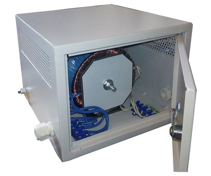 Атотрансформатор в корпусе